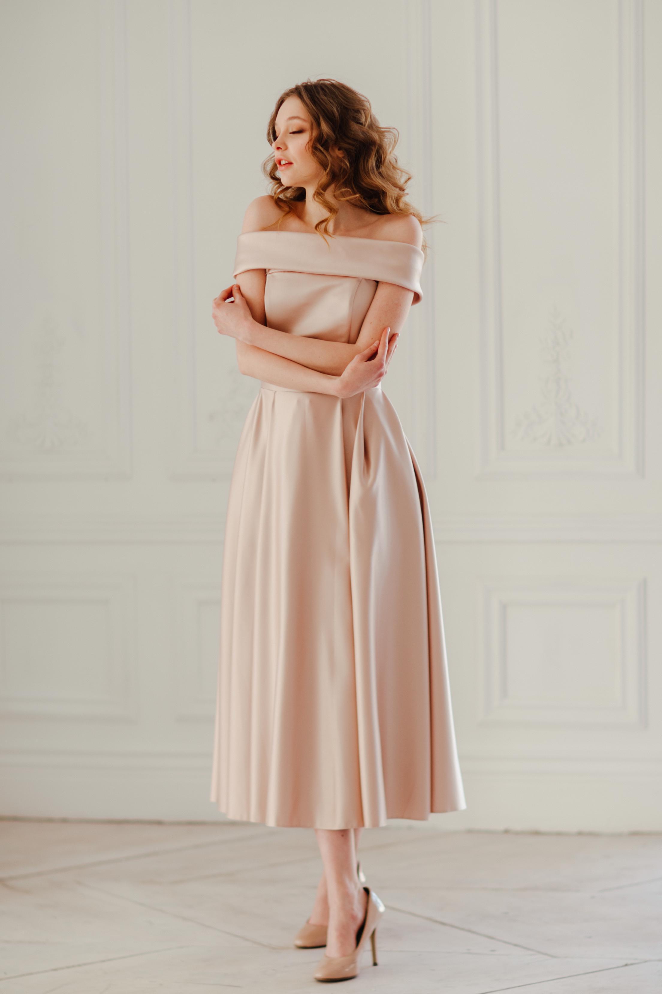 Элитное вечернее платье длины миди Аллин