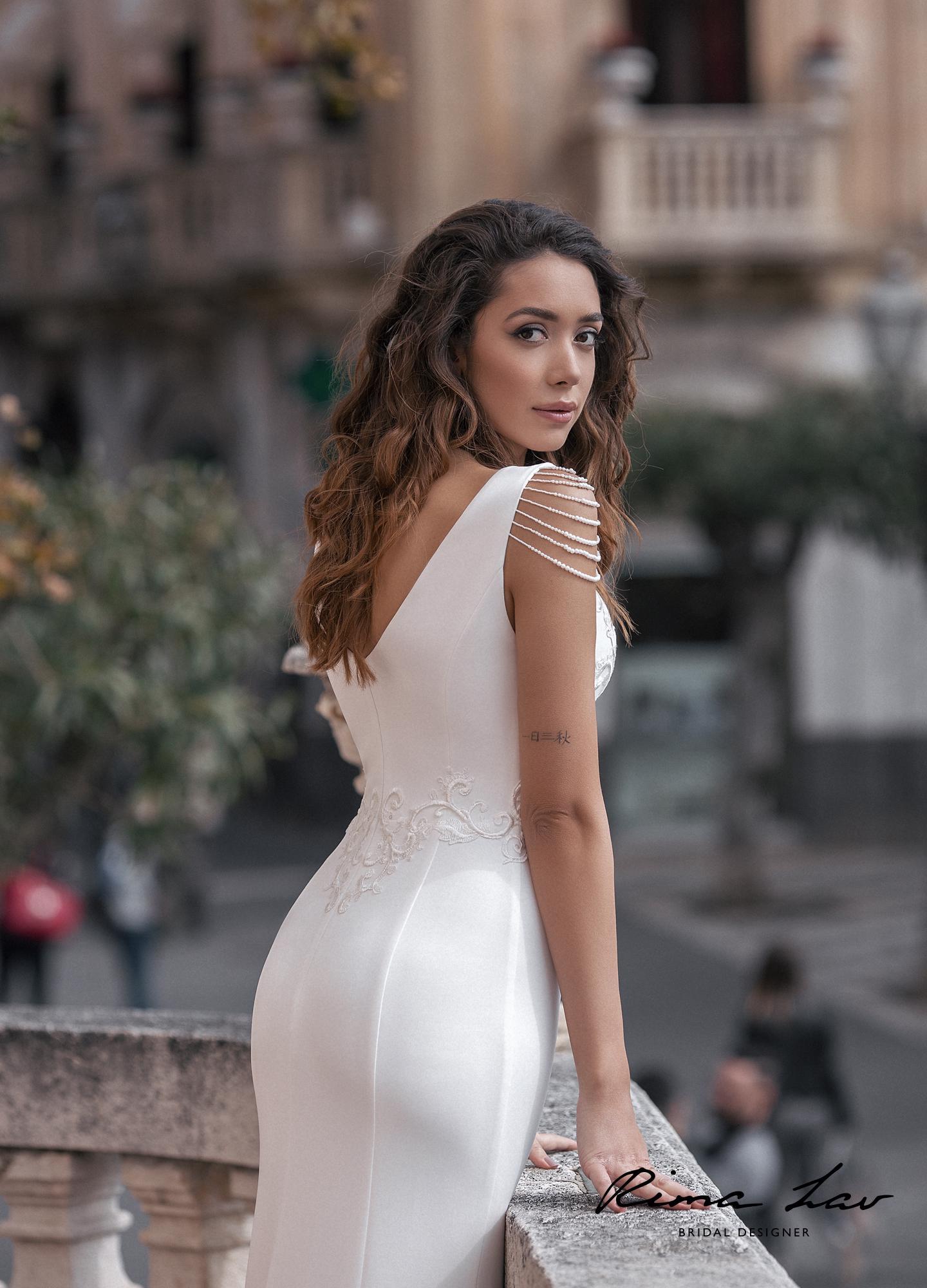 Силуэтное свадебное платье Амира