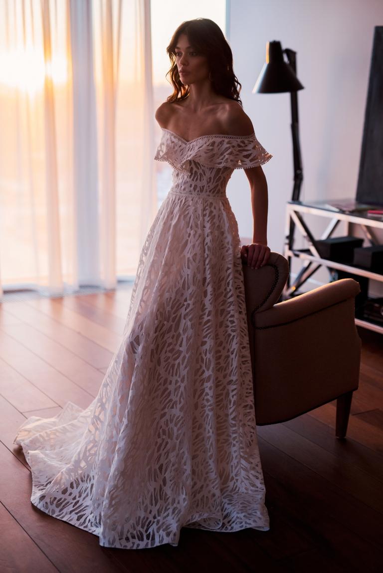 Красивое свадебное платье Лайма