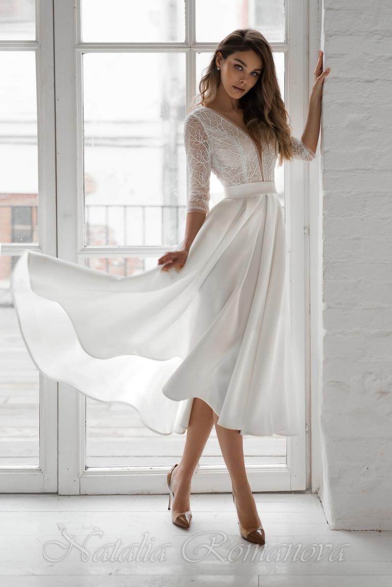 Короткое свадебное платье с рукавами А-силуэта Эшли
