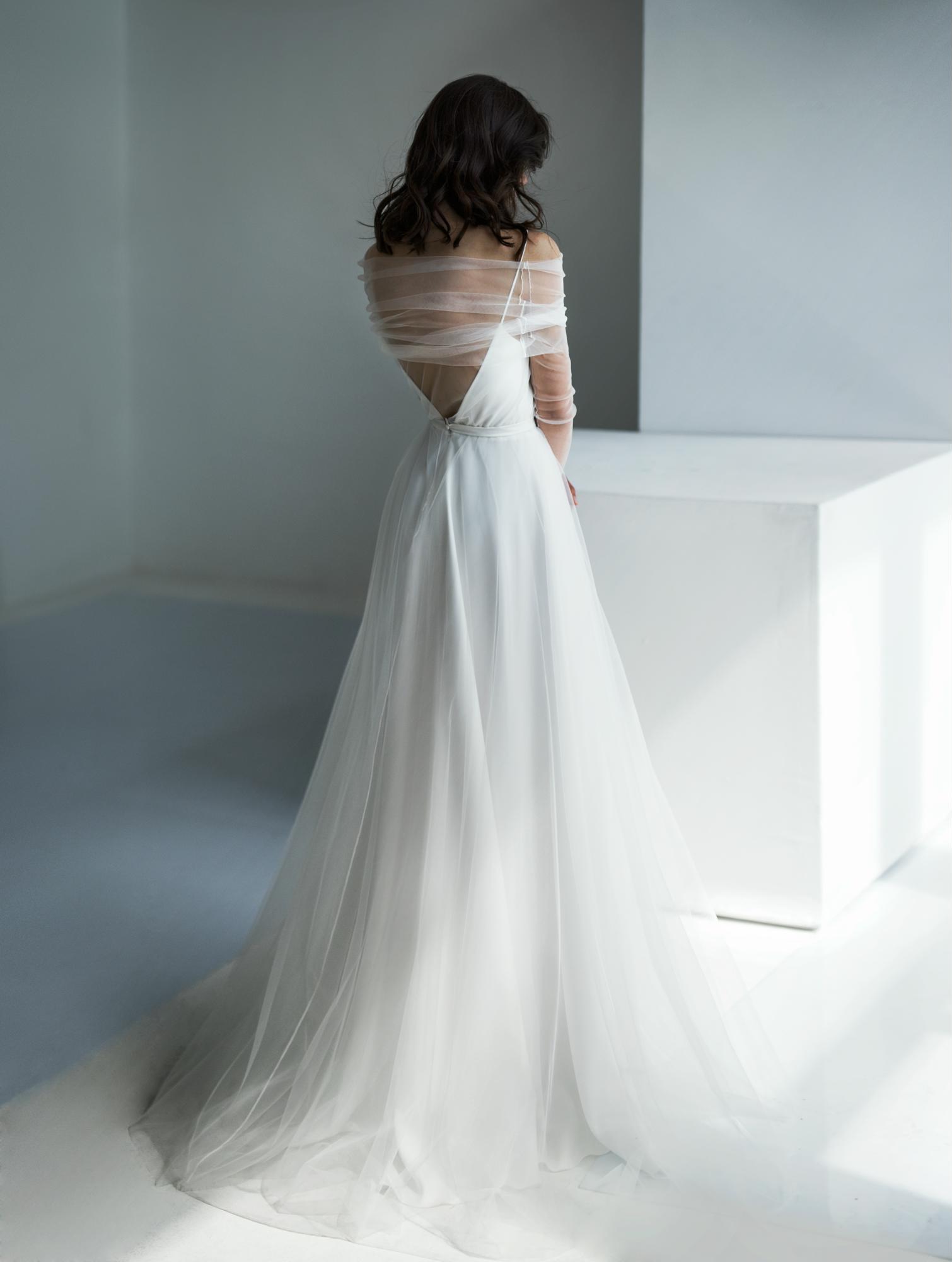 Прямое свадебное платье auna-tina