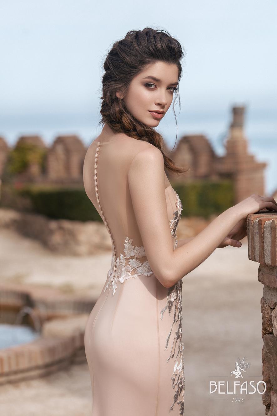 Вечернее пудровое платье с кружевом Терра