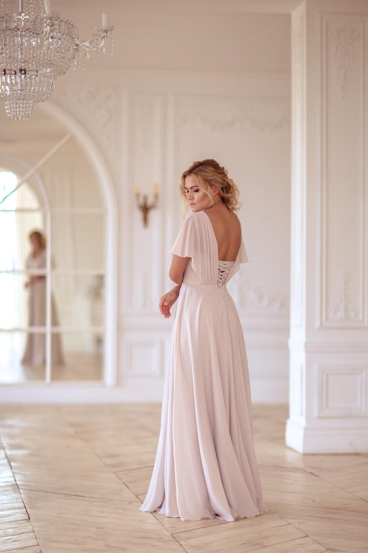 Свадебное платье на корсете, вид сзади