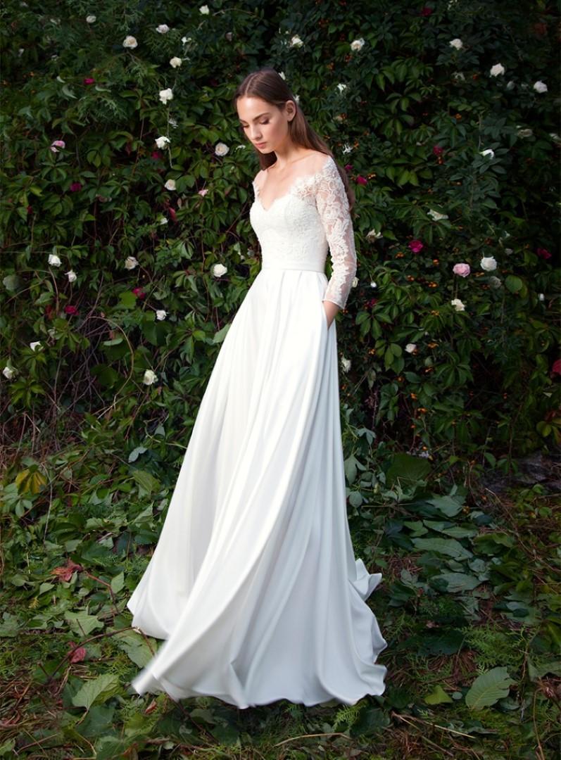 Свадебное платье с кружевным корсетом клео