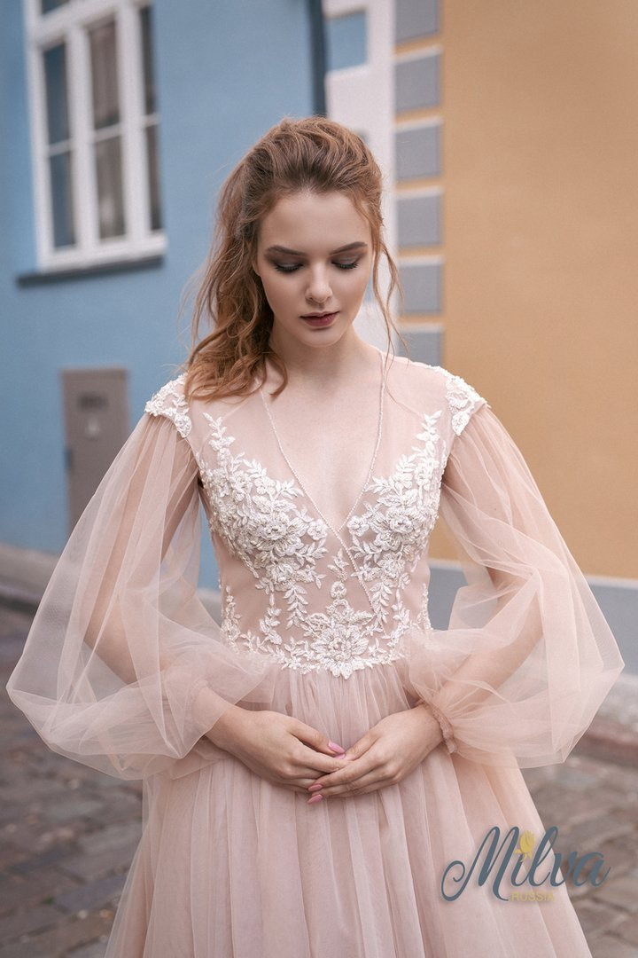 Свадебное платье Villina пудровое с длинным рукавом