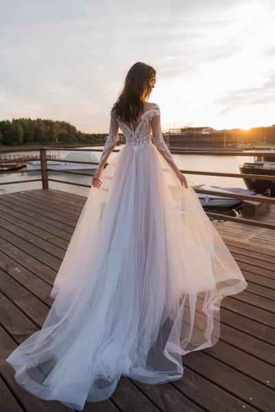 Свадебное платье с кружевной спинкой Росселина