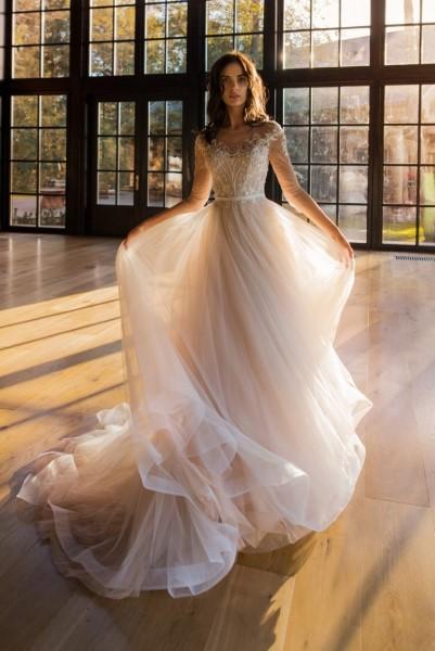 Платье невесты а-силуэта Эванс