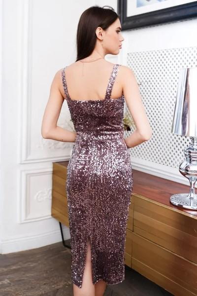 Коктейльное платье цвета капучино с пайетками