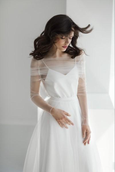 Платье с кейпом