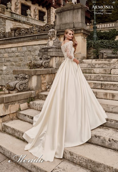 Свадебное платье  мерида В наличии в Спб