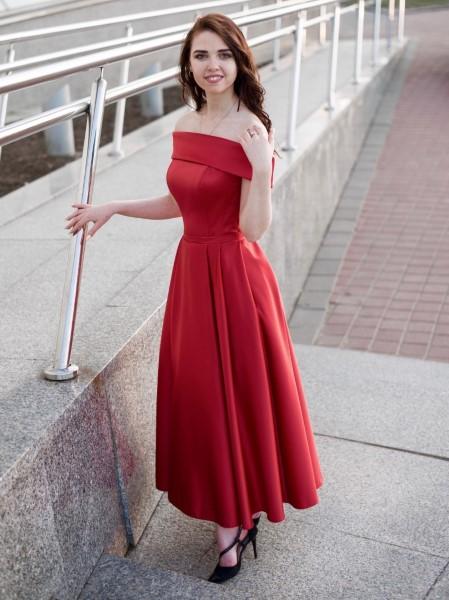 Красное платье с открытыми плечами Аллин