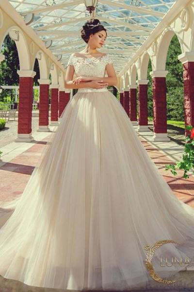 Свадебное платье  лоретта В наличии в Спб