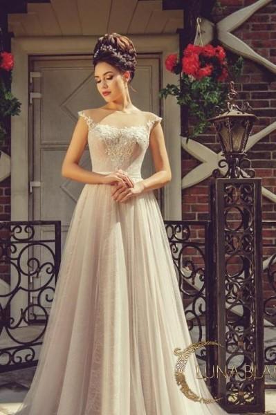Свадебное платье с кружевным корсетом рокси