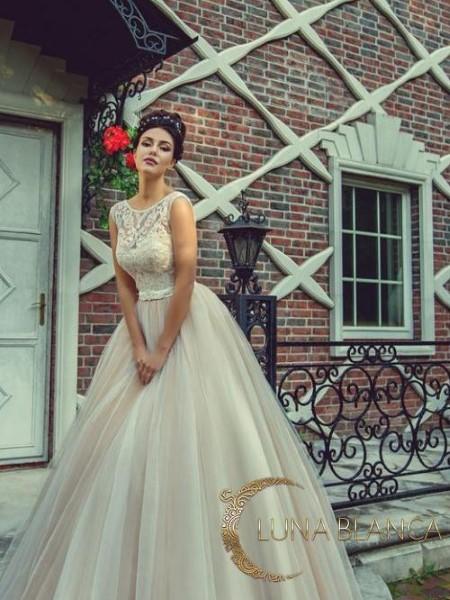 Свадебное платье с кружевным корсетом роза с рукавами (xl size)